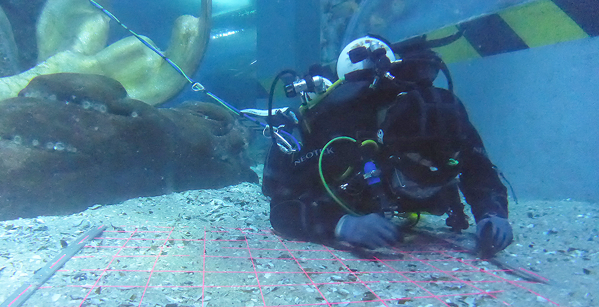 ADAS Part 1 Diving student underwater search using grid mesh