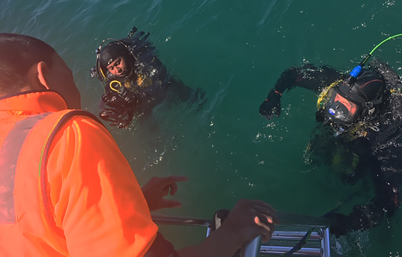 ADAS PArt 1 commercial diving students in water